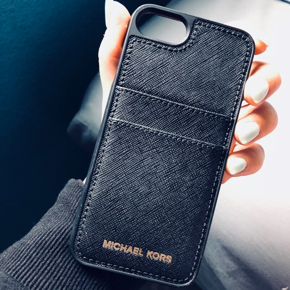 reputable site 06898 a11cf Michael Kors Saffiano Leather iPhone 7/6S Case